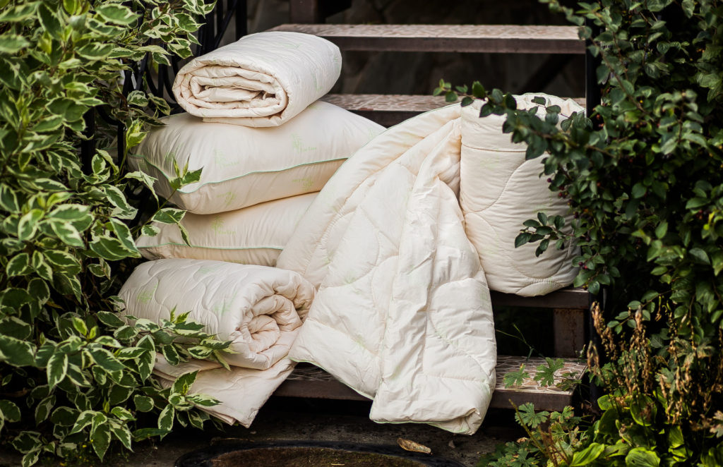 Бамбуковый текстиль — полотенца, одеяла и подушки.