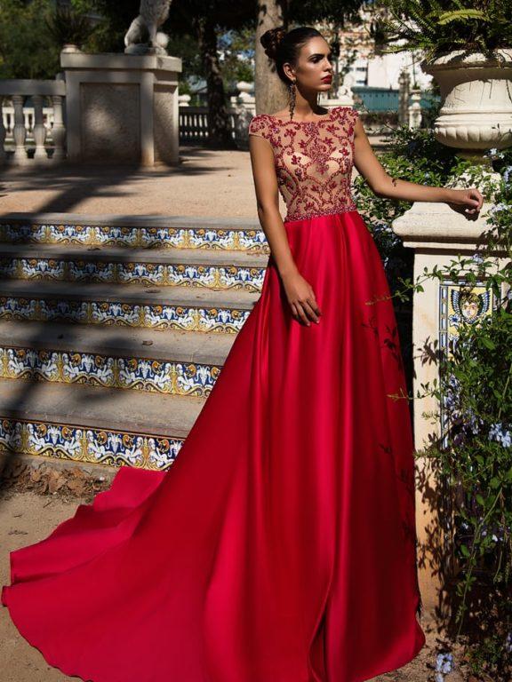 Вечерние платья и модные тенденции.
