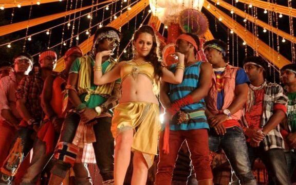 Влияние западной моды в Индии.